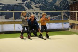 De kinderen hebben veel plezier tijdens hun skiles bij Indoorski Den Bosch